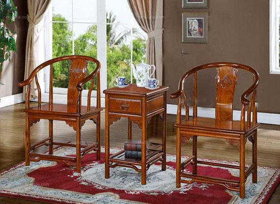在日常使用中如何保养红木家具
